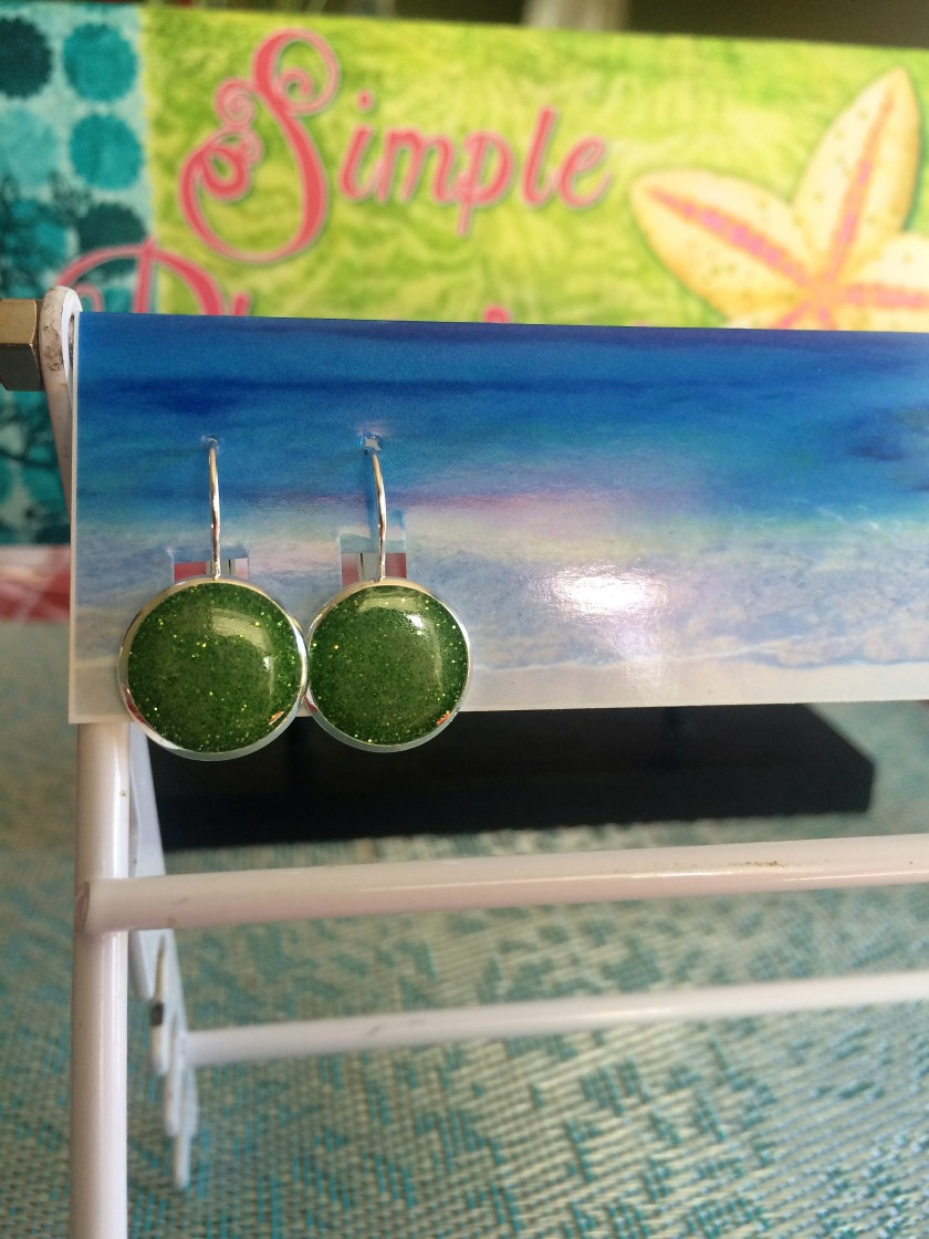 earrings green